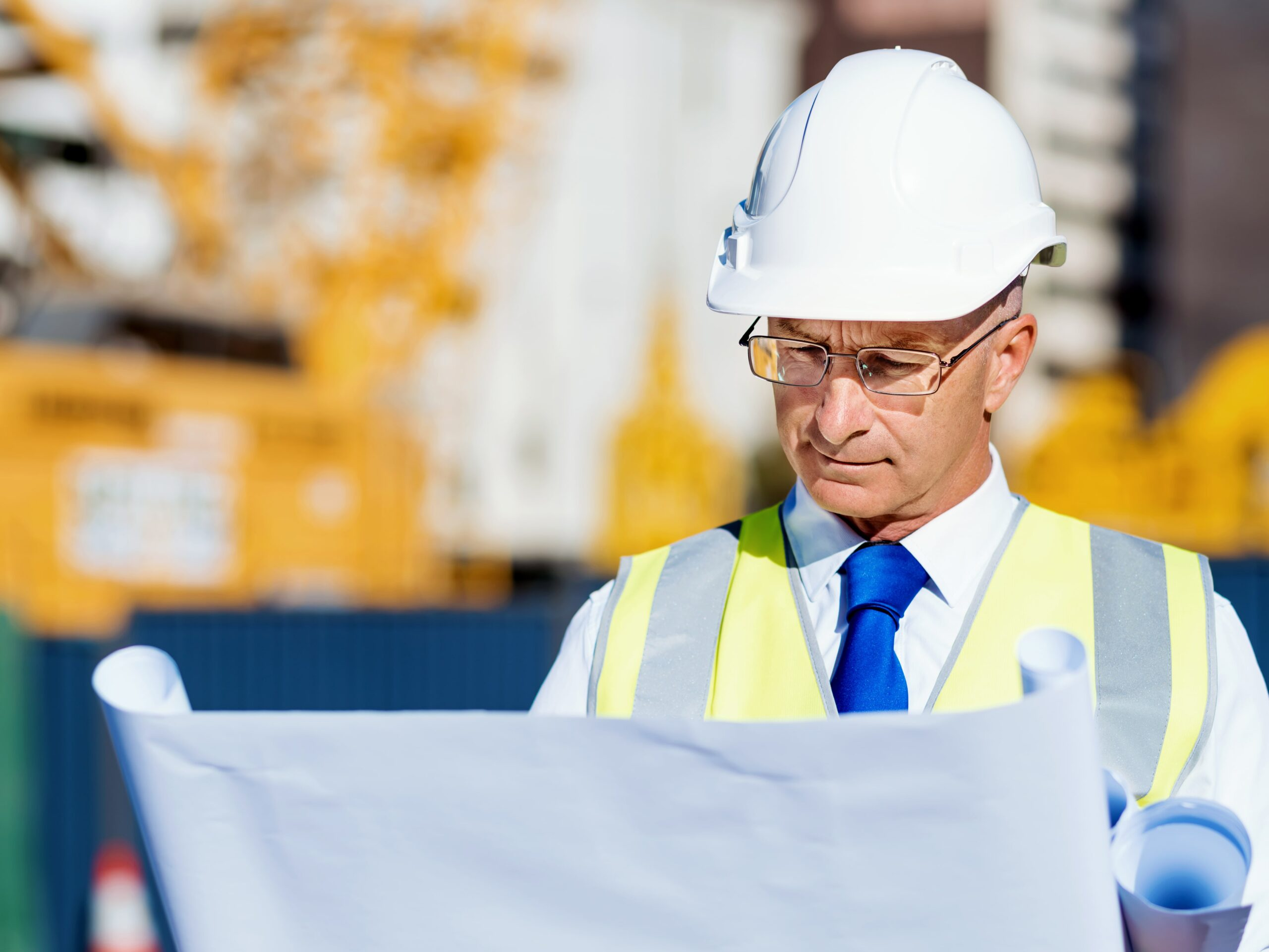 engineer builder at construction site p7xhj8c min